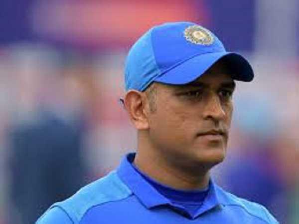 BREAKING NEWS : टीम इंडिया के एनुअल कॉन्ट्रैक्ट से एमएस धौनी का नाम गायब