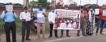 सरना कॉलम की मांग को लेकर सरना विकास समिति ने मानव श्रृंखला बना विरोध प्रदर्शन किया
