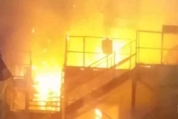 चंदनकियारी के इलेक्ट्रो स्टील प्लांट में लगा भयंकर आग, बाल-बाल बचे कार्यरत लोग